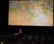 Přednáška generála Šandóra v rožnovském kině