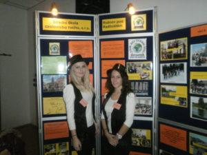 Studentky Střední školy cestovního ruchu Rožnov pod Radhoštěm